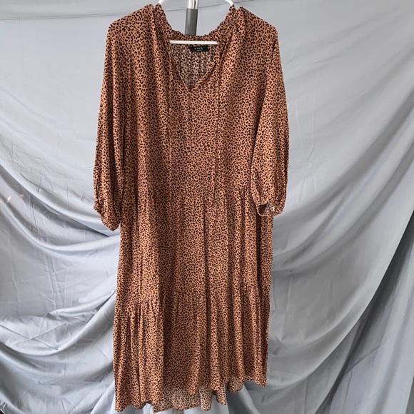 NWOT vici midi leopard dress